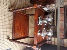 Antique Tea Trolley on wheels R 1500. Very Very Old. Uitenhage
