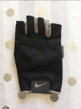 Nike Dry-fit Glove