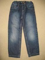 Jeansy niebieskie, spodnie chłopięce 110/116