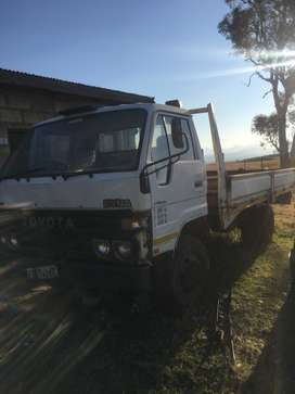 Toyota Dyna 4ton truck gearbox