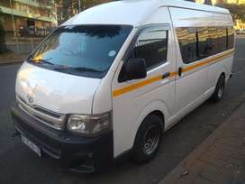 Air conditioning, Air Bags, Multifunctional Stereo and ABS