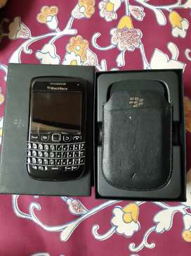 Blackberry bold 9790 corpse..FOR SPARES OR REPAIRS ONLY..