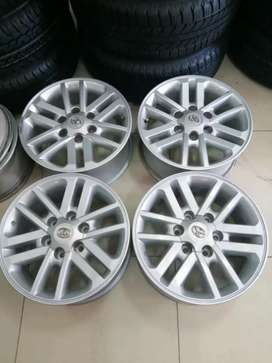 A set of brand new Toyota legend 50 mag set rims 17 inch with center