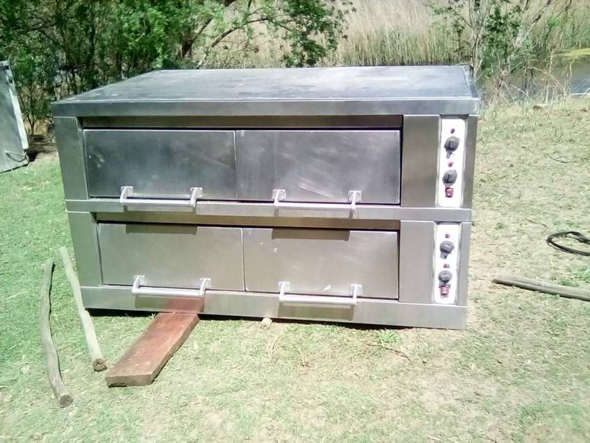 Industrial pizza oven 0