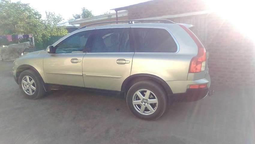Car is 7 seater,Volvo XC90 2007 0