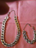 Biżuteria sztuczna w kolorze srebrnym