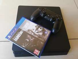 PlayStation4 Slim 500gb + 1controller + HDMI cable + Rainbow6 game