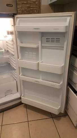 I'm selling my fridge it working in good condition