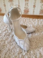 Белые туфли босоножки
