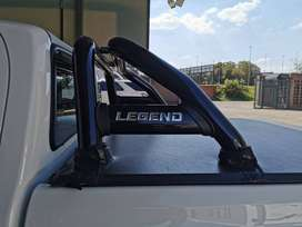 TOYOTA HILUX LEGEND TONNEAU COVER and Styling barCOVER AND ROLLBAR