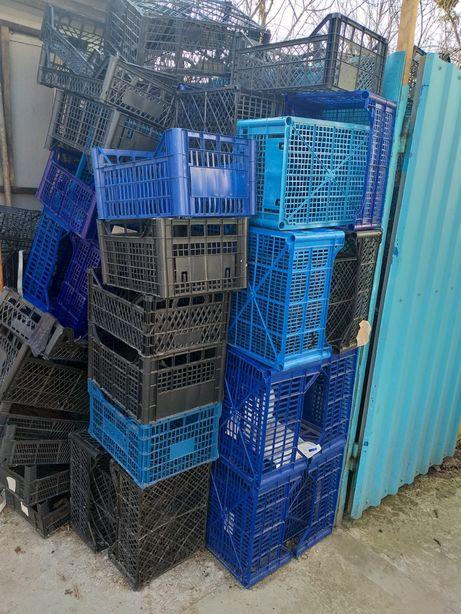 Пластмасові ящики
