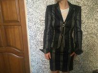 Продам импортный костюм для девочки