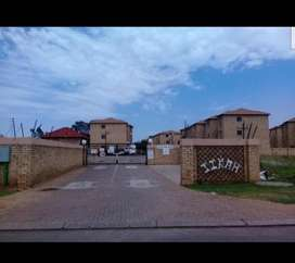 Female roommate needed to share a two bedroom apartment in Randfontein