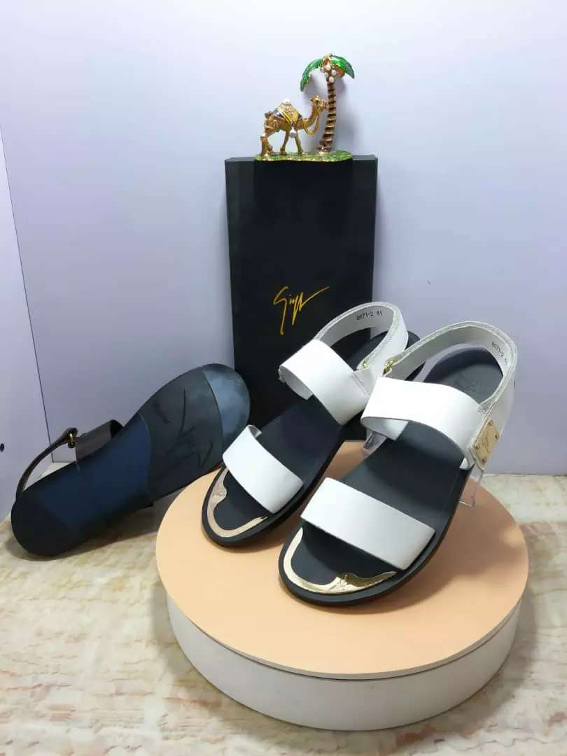 Unique designer palms and slip ons available  for  sale 0