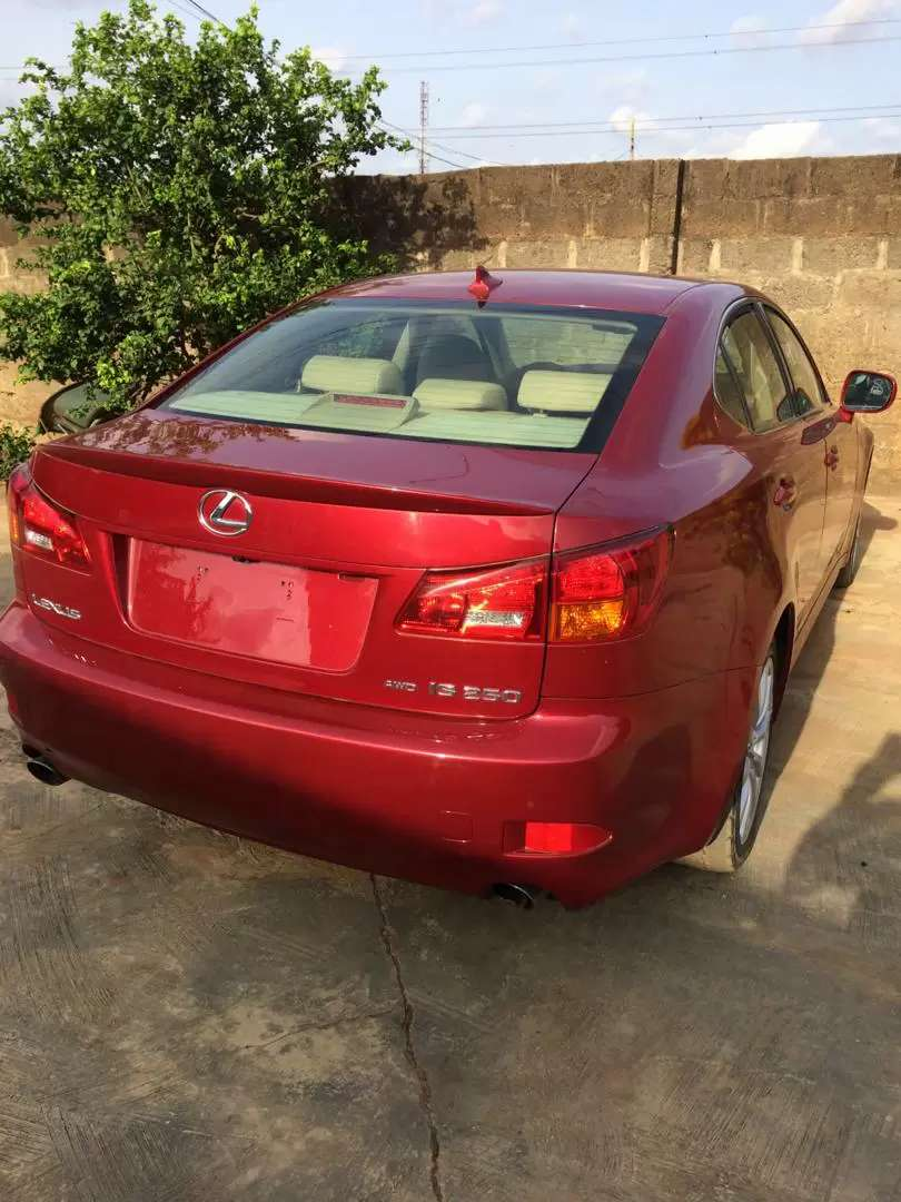 2008 LEXUS IS 250 needs an urgent buyer 0