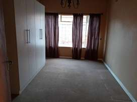 Big rooms for rentals inside the house R2500