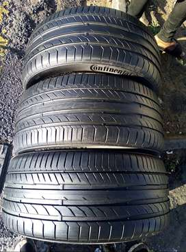 255/40/19 Continental Tyres (90% Thread Life Left)