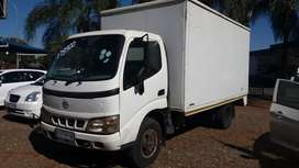 Toyota dina 3.5ton new engine on the road with papers