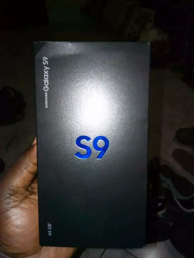 Samsung S9 brand new from uk 0