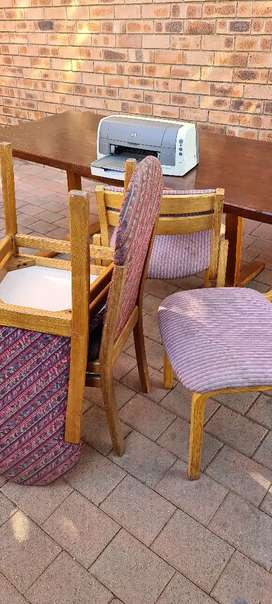 Tabel with chairs