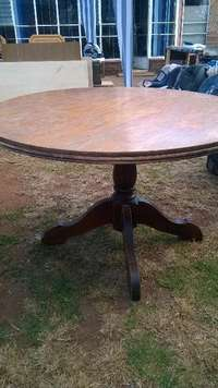 Image of Solid wood Dining Round table