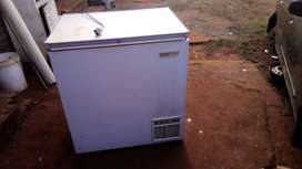 Dip freezer good condition