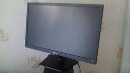 Продам монитор LG 19 дюймовый (есть 17 дюймов)