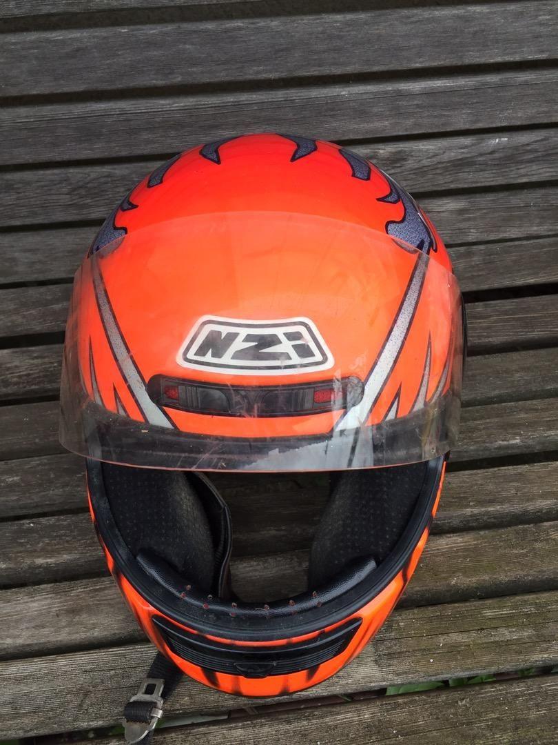 Moto čelada 0