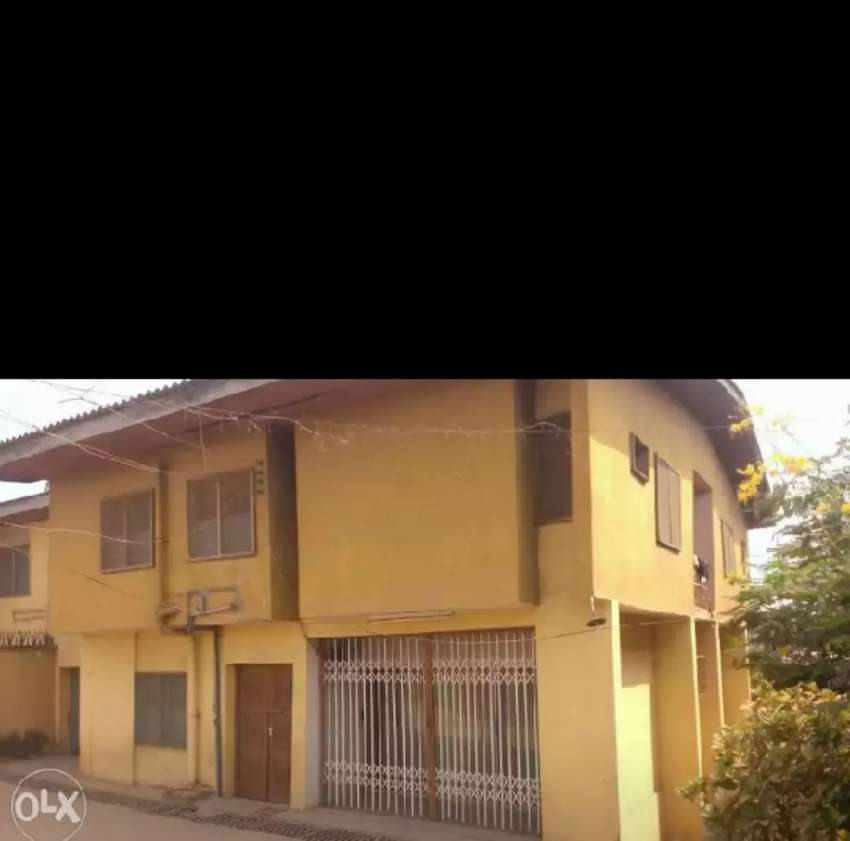 5 bedroom duplex for sale @ main Oluyole estate ibadan 0