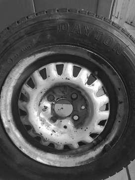 Size13 Tyre and rim for sale