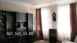 Молодогвардейская, продам большую 2-х.комн. квартиру, ремонт, мебель.
