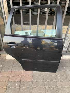 Polo vivo/Bujwa right rear door with glass, handle and electric window