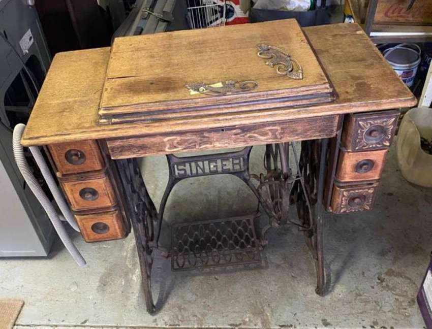Old Vintage Singer Sewing Machine Stand Table only (no machine))