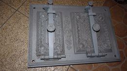 Piękne stylowe drzwiczki zabytkowego pieca kaflowego