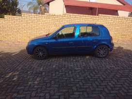 I'm looking for a Body of a Renault clio 2005 model