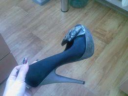 Туфли с бантом, на каблуке