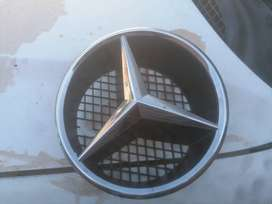 Mercedes W204 Budge and holder