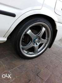 Image of 17inch mags with tyres wanting to swop with 15inch