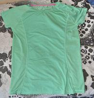 Качественная термо-футболка приятного салатового цвета и материала