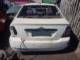 TOYOTA COROLLA RUNX SHAPE For Spares