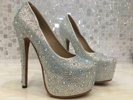 Вечерние туфли со стразами на высоком каблуке Liici