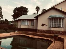Spacious family house for rent in Heuweloord