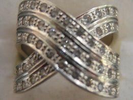 Złoty pierścionek r.19 waga 9,20 g