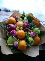 Букет из фруктов, овощей, сладостей