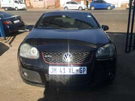 2009 Volkswagen Golf 5 2.0 DSG with leather seats n sunroof
