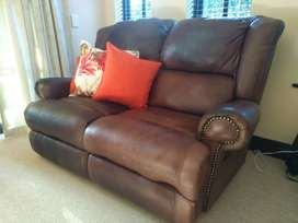 Genuine leather 2 seater recliner, in excellent condition!!
