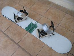 Deska snowboardowa Generics True 145 cm + wiązania