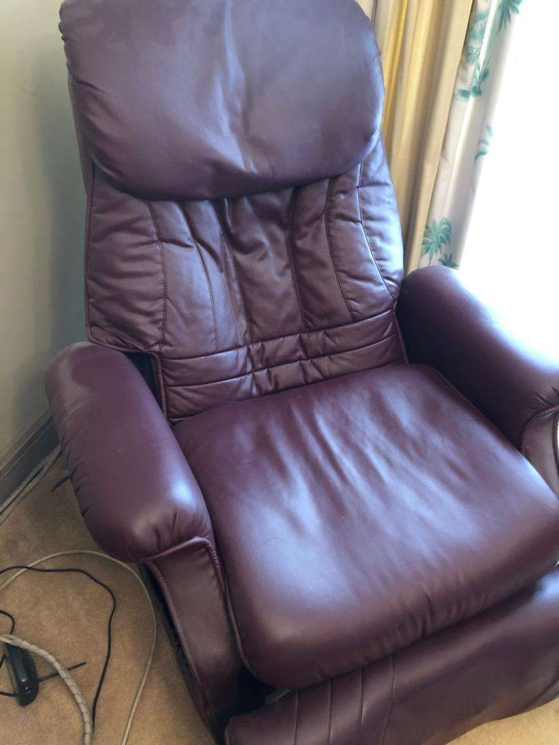Massage chair 0