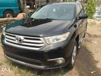 Super clean 2013 Toyota highlander. Limited edition 0