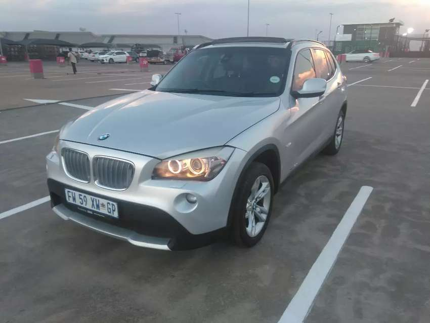 2011 BMW X1  2.3 XDrive 4x4  very clean in a good condition 0